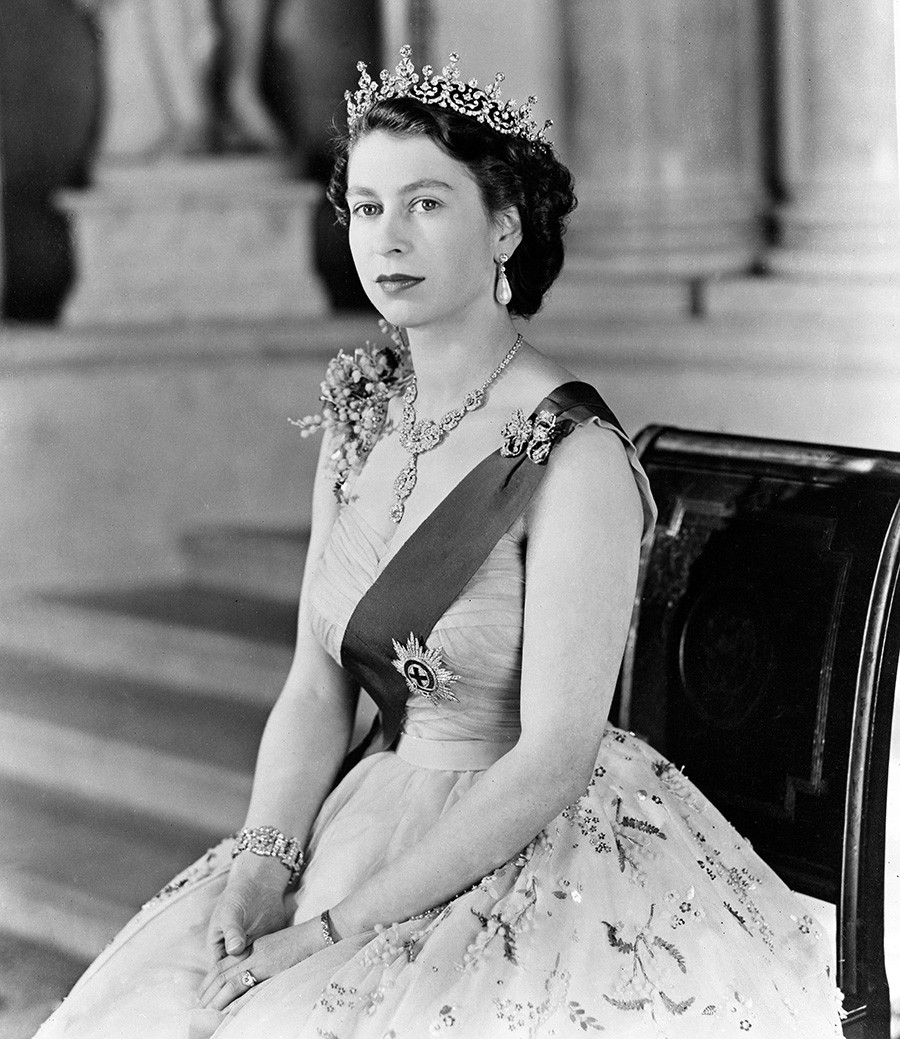 Queen Elizabeth II in the Grand entrance at Buckingham Palace. 1954.