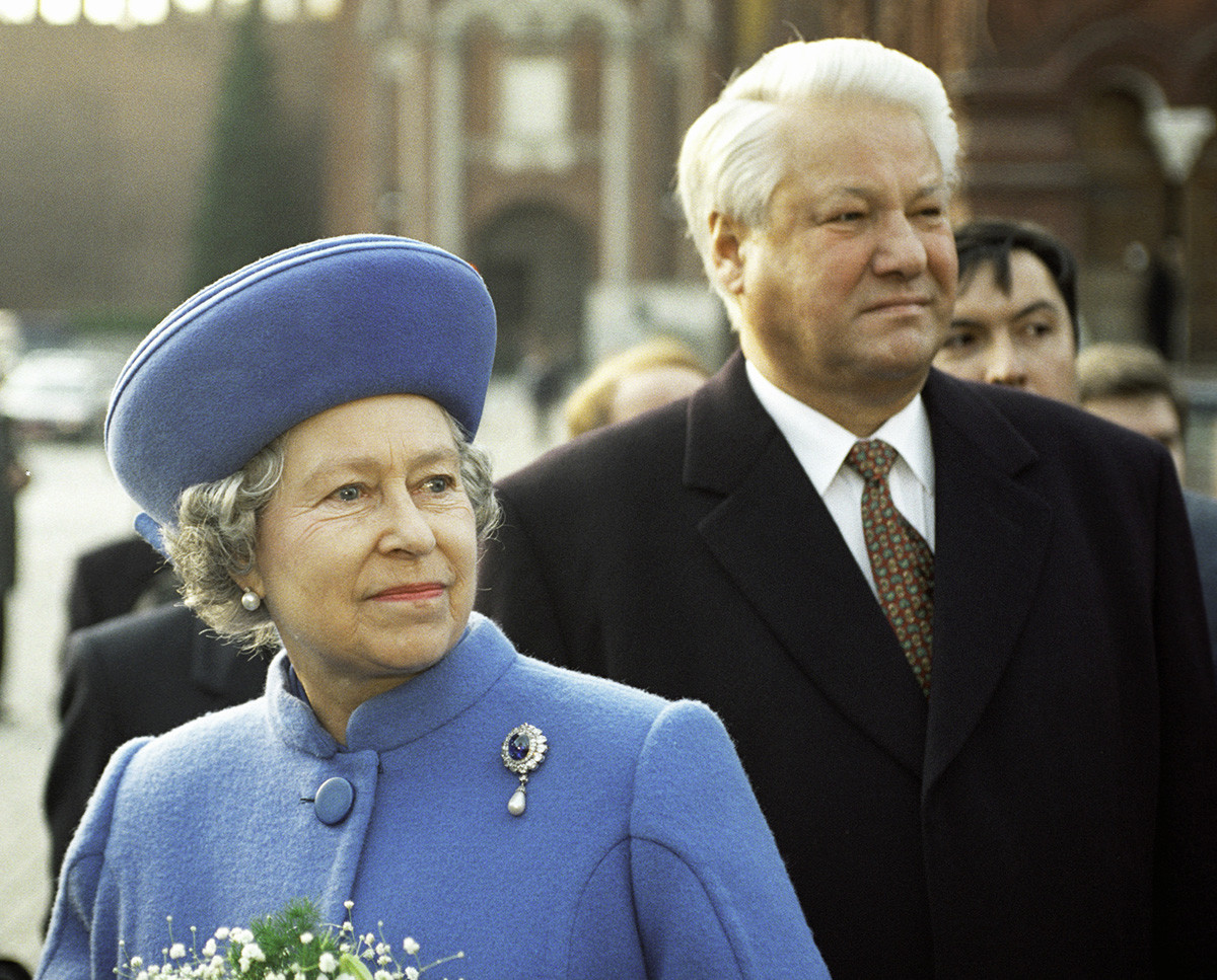 Elizabeth ll and Russian President Boris Yeltsin in Moscow, 1994.