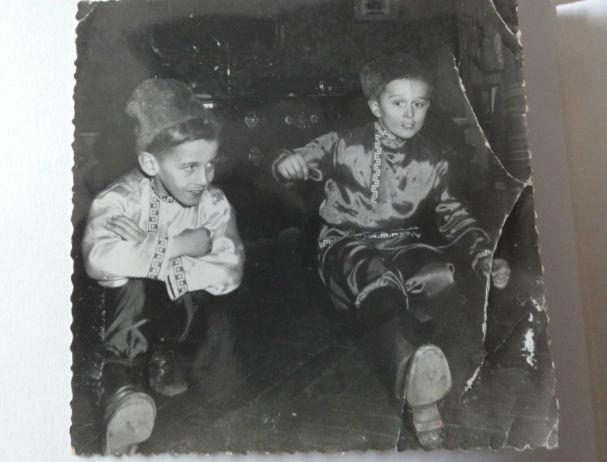 Ivan (à droite) avec son frère