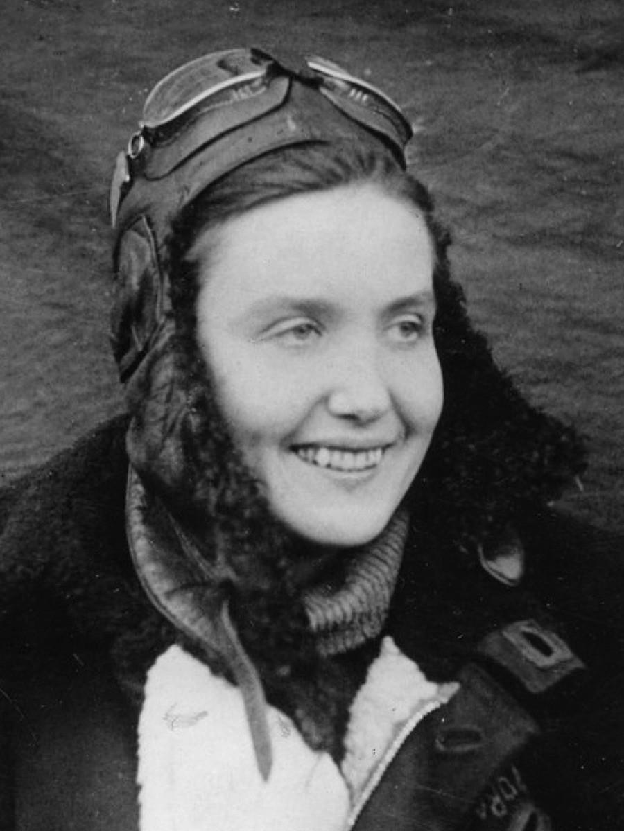 Teniente Tatiana Makárova. Murió en combate el 25 de agosto de 1944 en el cielo de Polonia. Tenía 23 años.