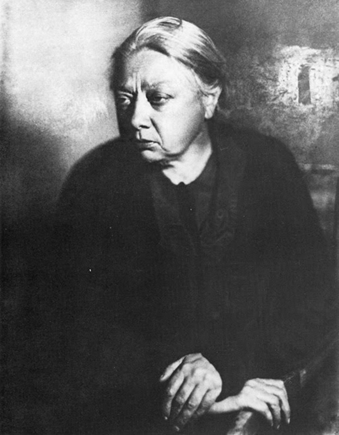 Надежда Константиновна Крупска, супруга В. И. Лењина.