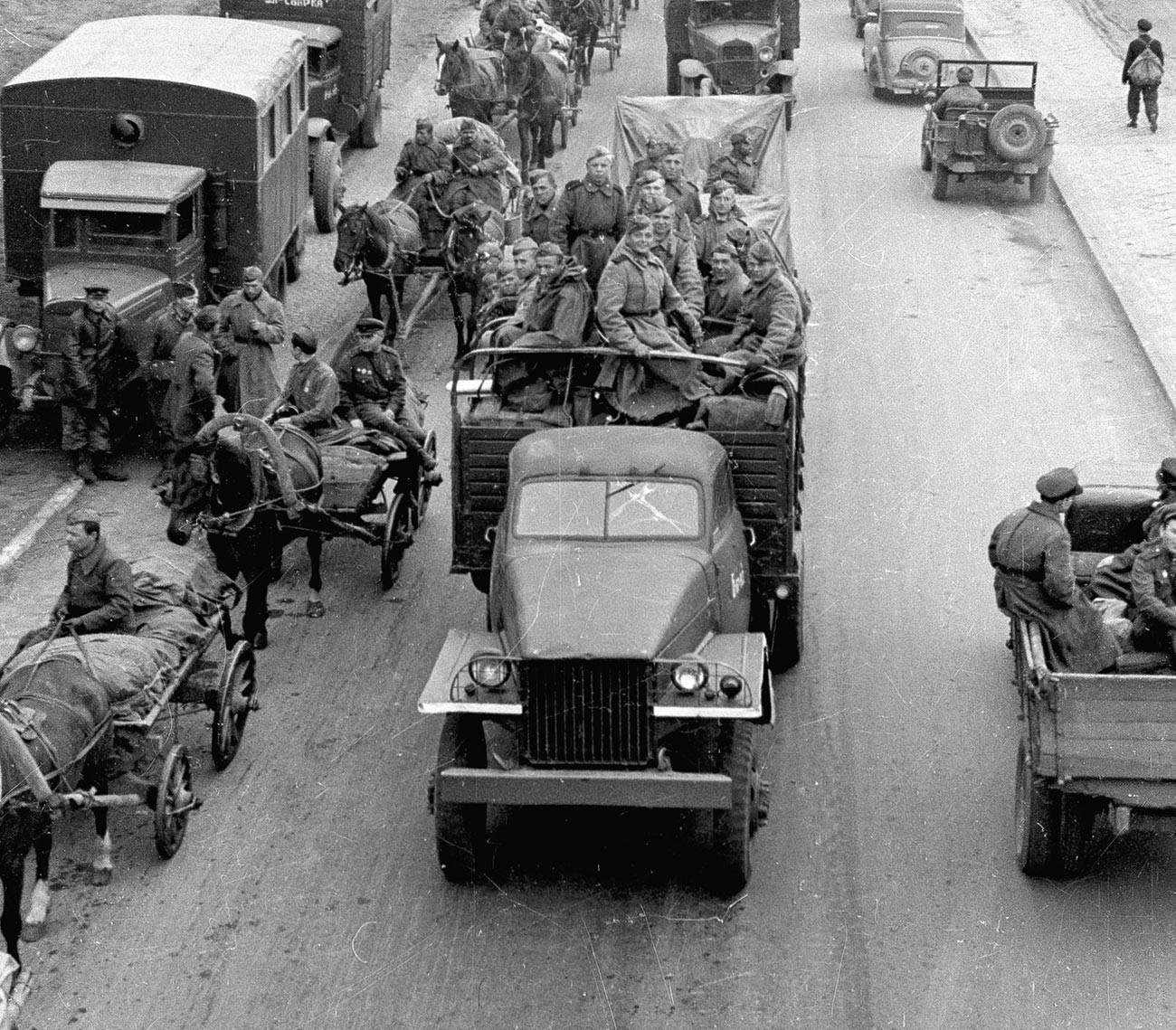 Напредовање совјетске војске пут Берлина.