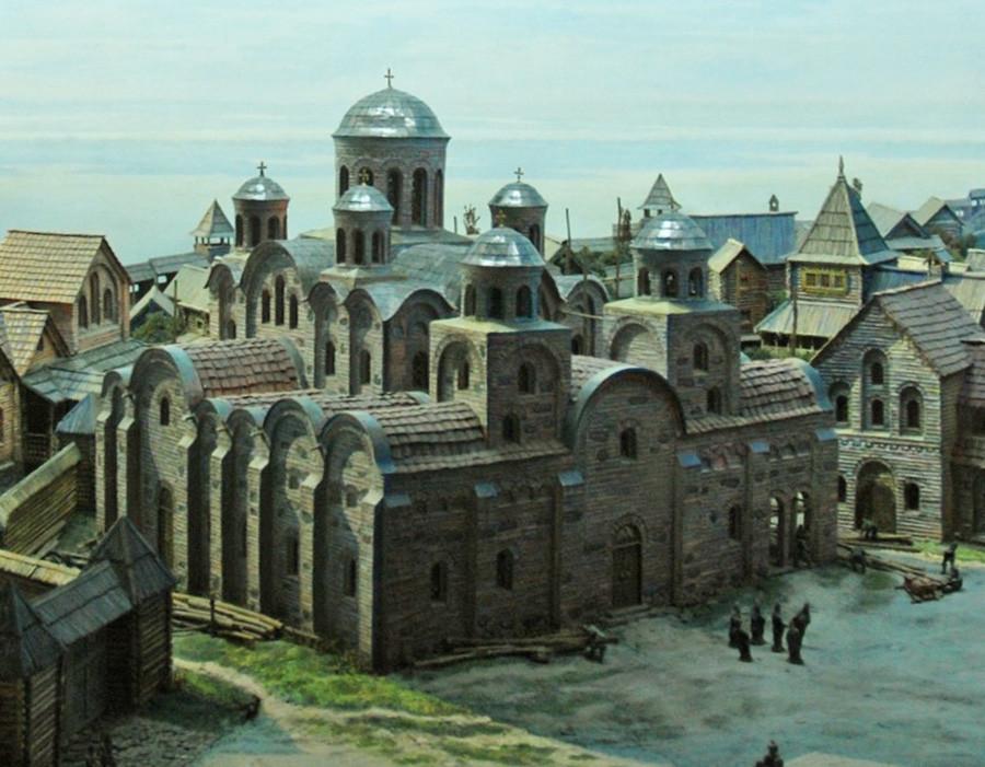 Eine Rekonstruktion der Kirche der Zehnte in Kiew.