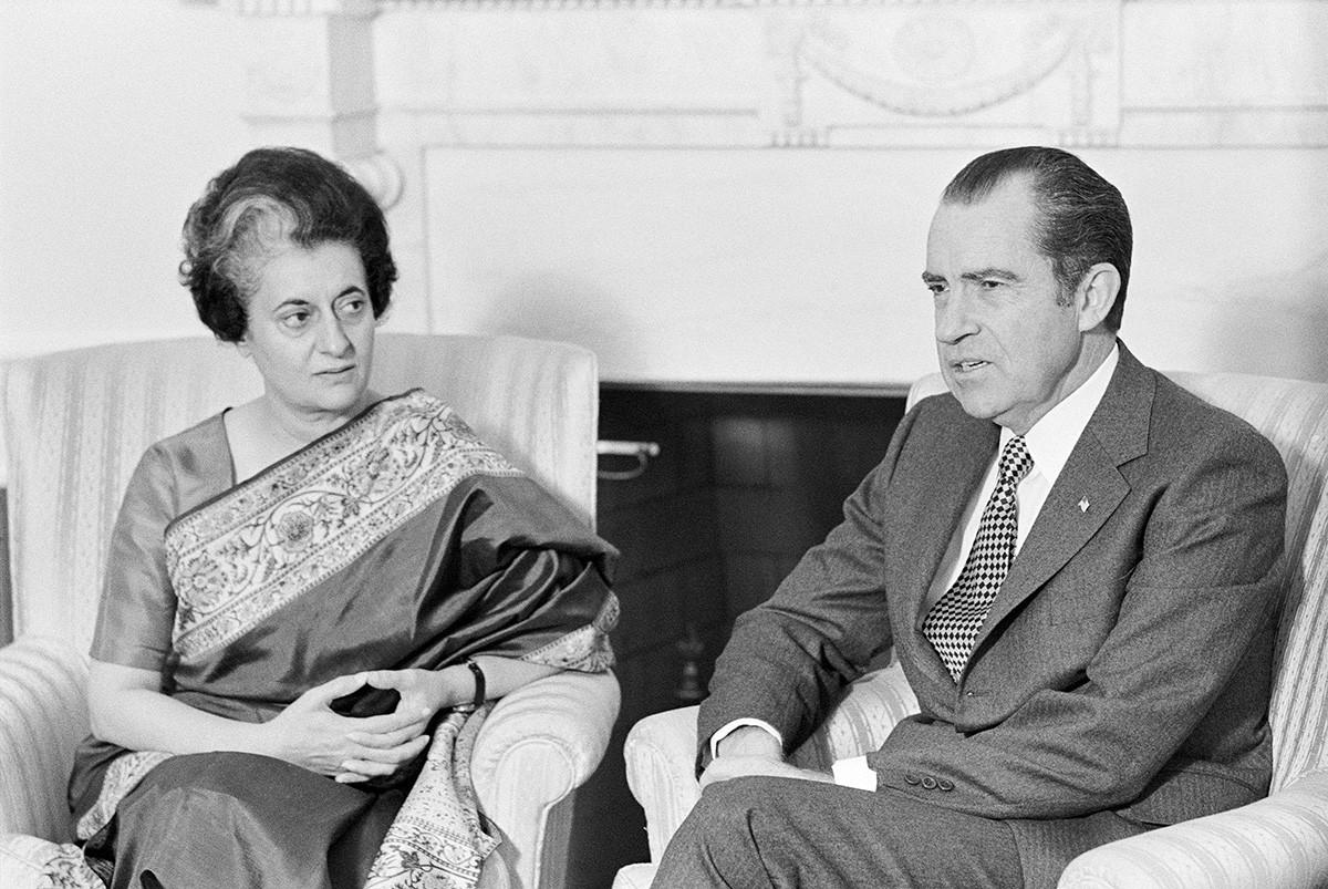President Richard Nixon and India's Prime Minister Indira Gandhi talk at the White House, November 1971