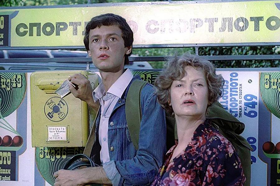 """La commedia di Leonid Gajdaj """"Sportloto-82"""" divenne nel 1982 il film di maggior incasso in Urss"""
