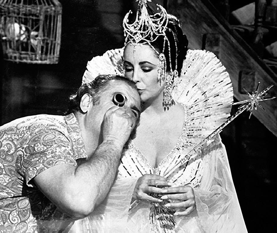Elizabeth Taylor avec l'opérateur soviétique Efim Zarkh