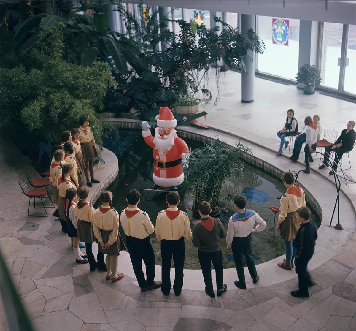 De nombreux enfants comptaient sur le Père Noël soviétique pour réaliser leurs souhaits.