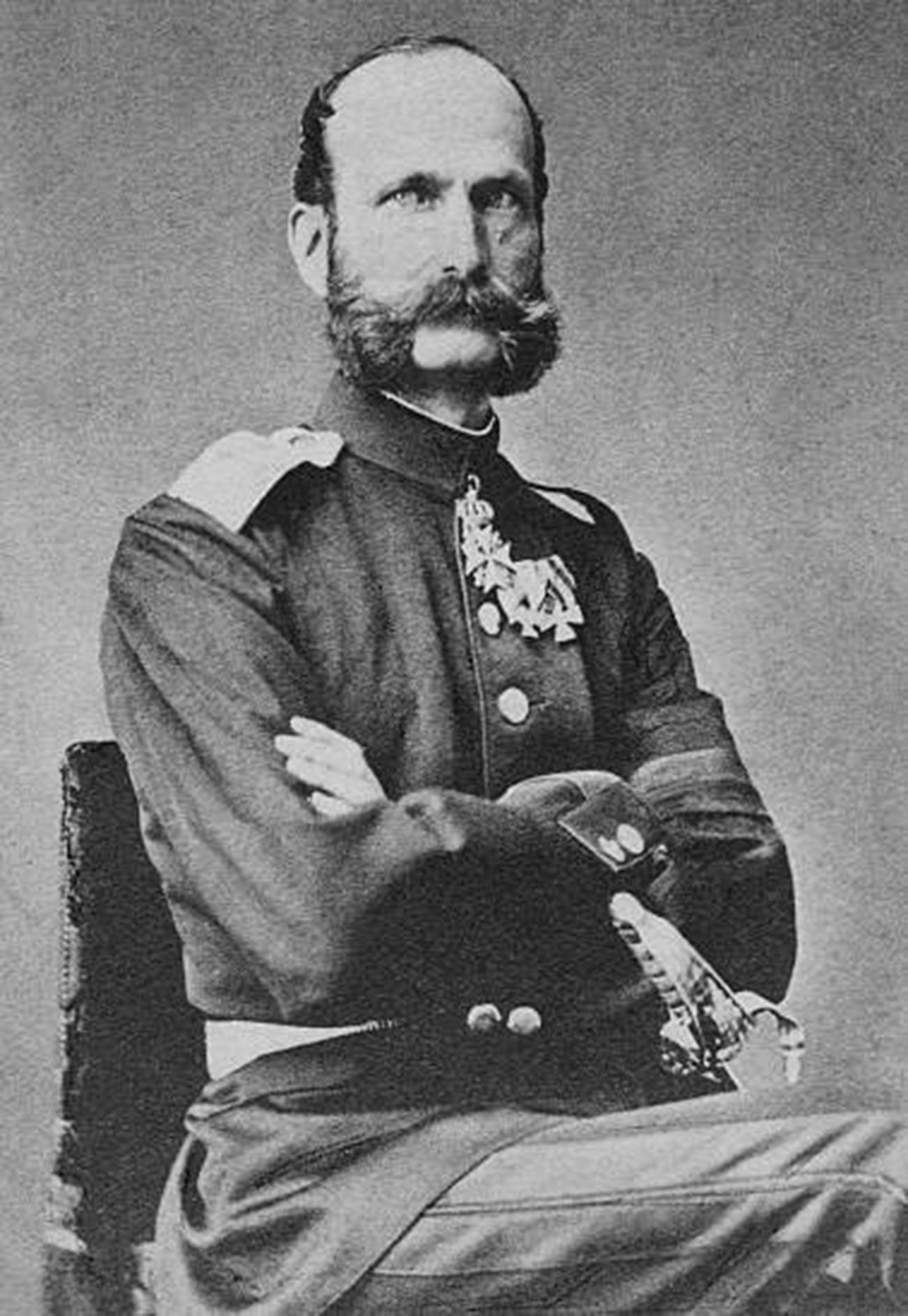 Принц Александър Лудвиг Георг Фридрих Емил от Хесен (1823-1898), трети син и четвърто дете на Лудвиг II, велик херцог на Хесен, и Вилхелмина от Баден, родена в Дармщат (Германия). Около 1870.