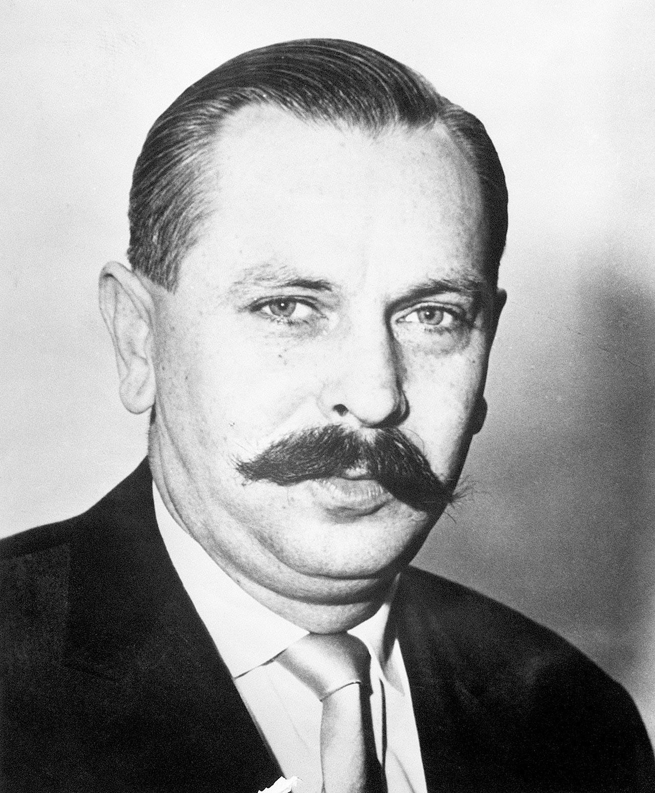 Михал Голеневский.