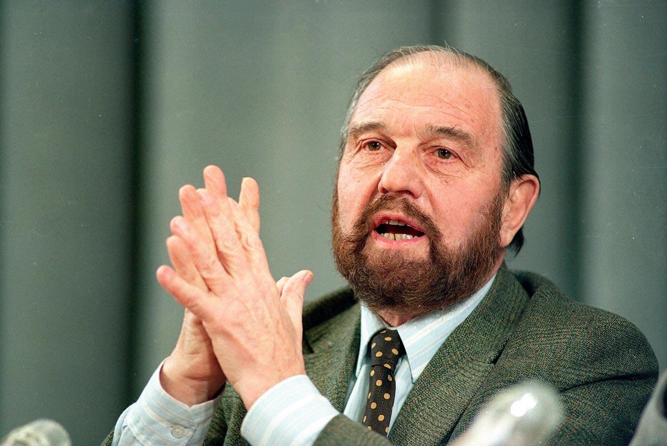 Джордж Блейк в 1992 году.