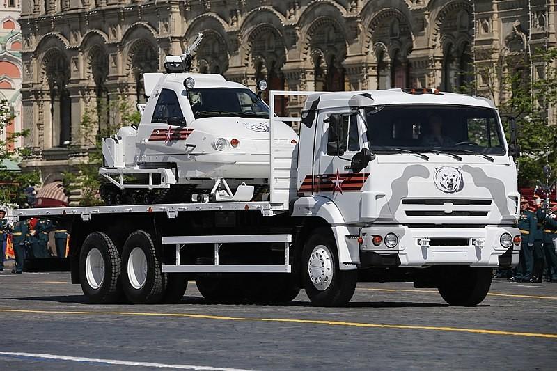 Berkut transportado en un camión. Desfile de la Victoria de 2018.