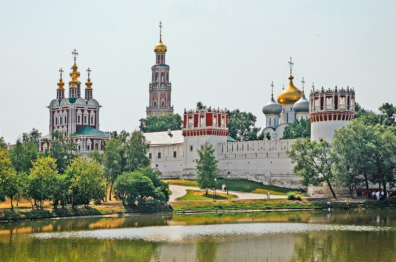 Biara Novodevichy di Moskow