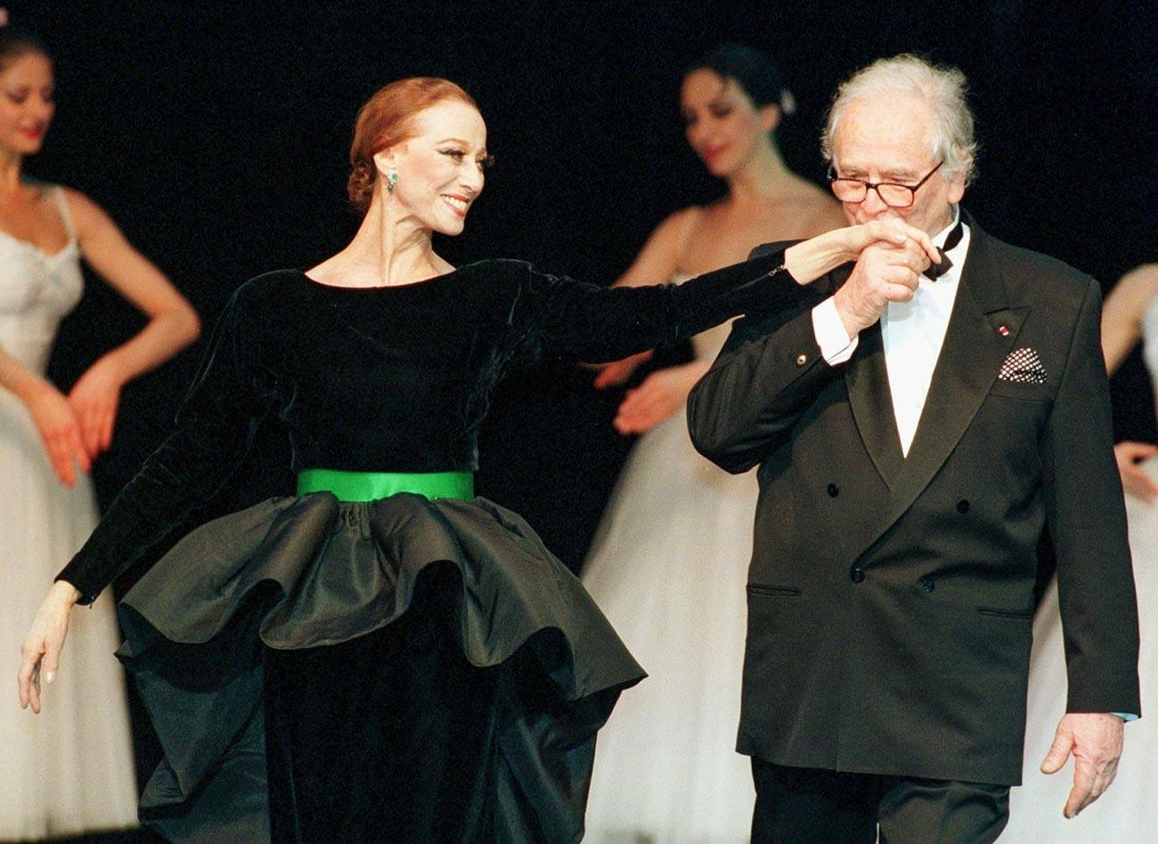 Plisetskaya and Cardin in in St Petersburg, 1998