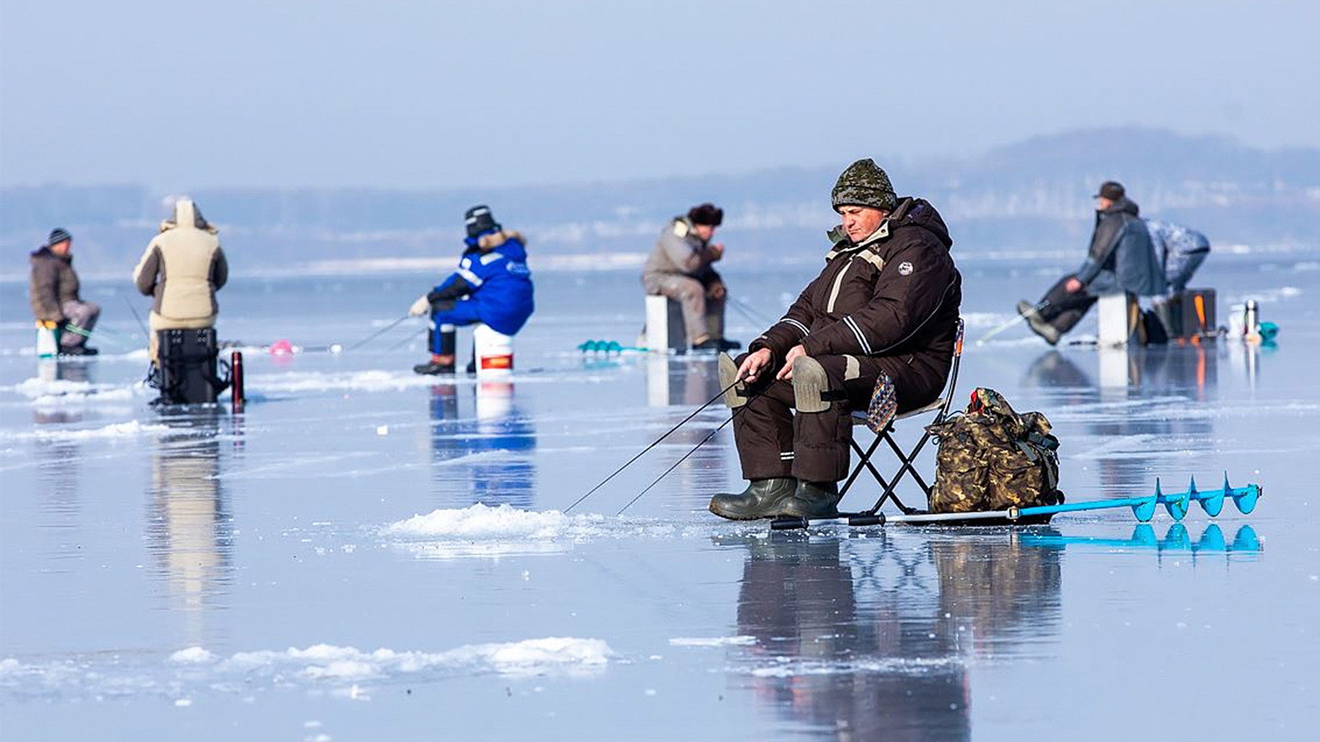 The Beauty Of Ice Fishing And Why Russians Can T Get Enough Of It Photos Russia Beyond
