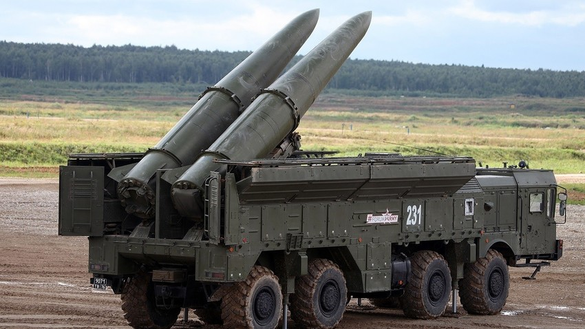 Искандер-М са ракетама 9М723К5.