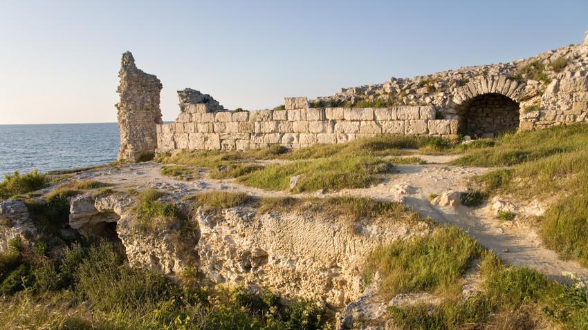Arheološko najdišče na Krimu. Slika je simbolična.