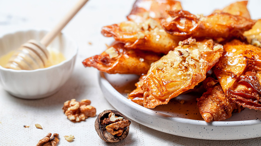 Do you have a sweet tooth? Take a bite of this crunchy honey delight with the spirit of the Black Sea.