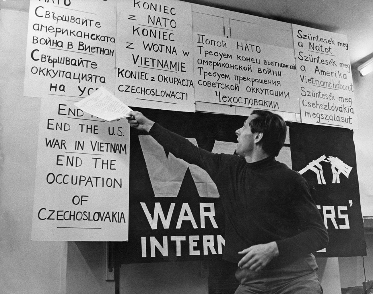 平和活動家マイケル・レンデル。1966年にブレイクのウォームウッド・スクラブズ刑務所から脱走の手助けをしていた。