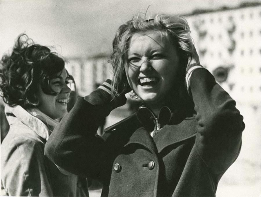 Chicas riéndose, años 70