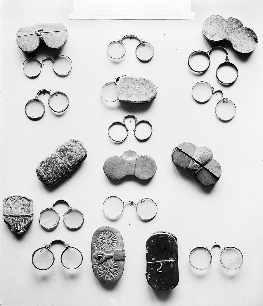 Occhiali europei risalenti al XVI-XVII secolo