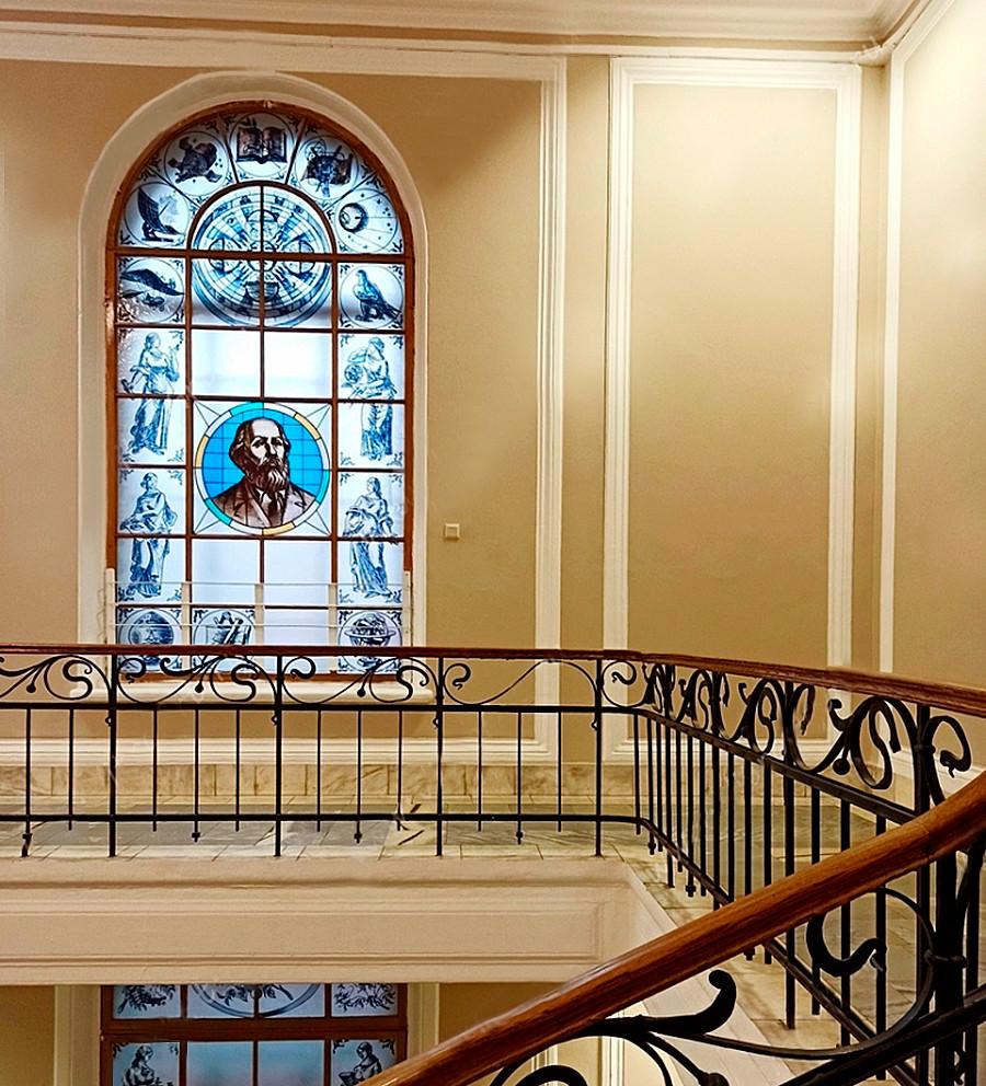 Vitraux de l'Université polytechnique de Saint-Pétersbourg