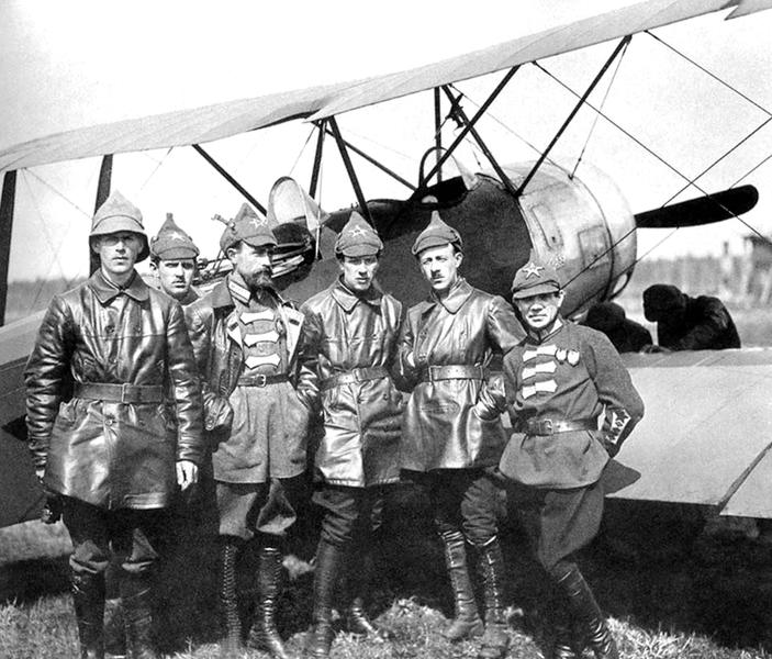 Primeros aviadores de la URSS.