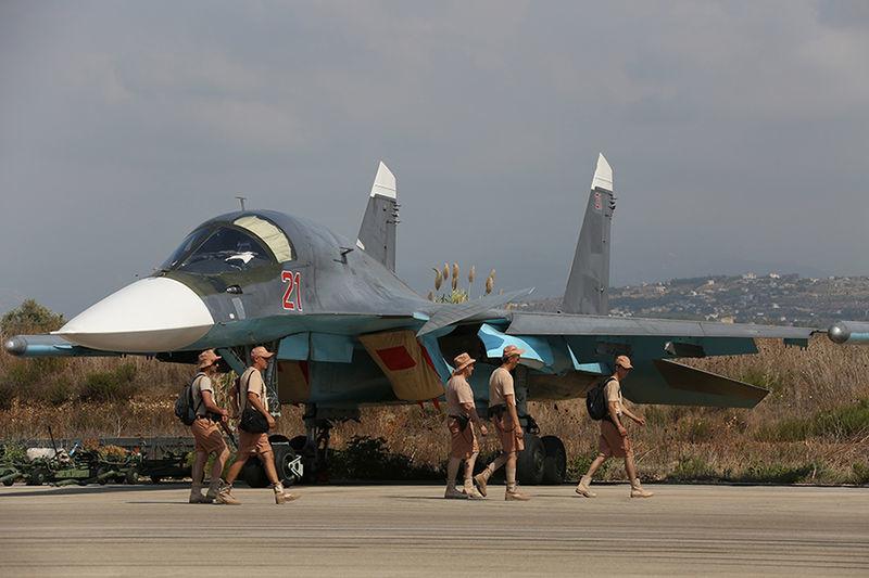 Un Su-34 en el aeródromo de Latakia, Siria (2015)