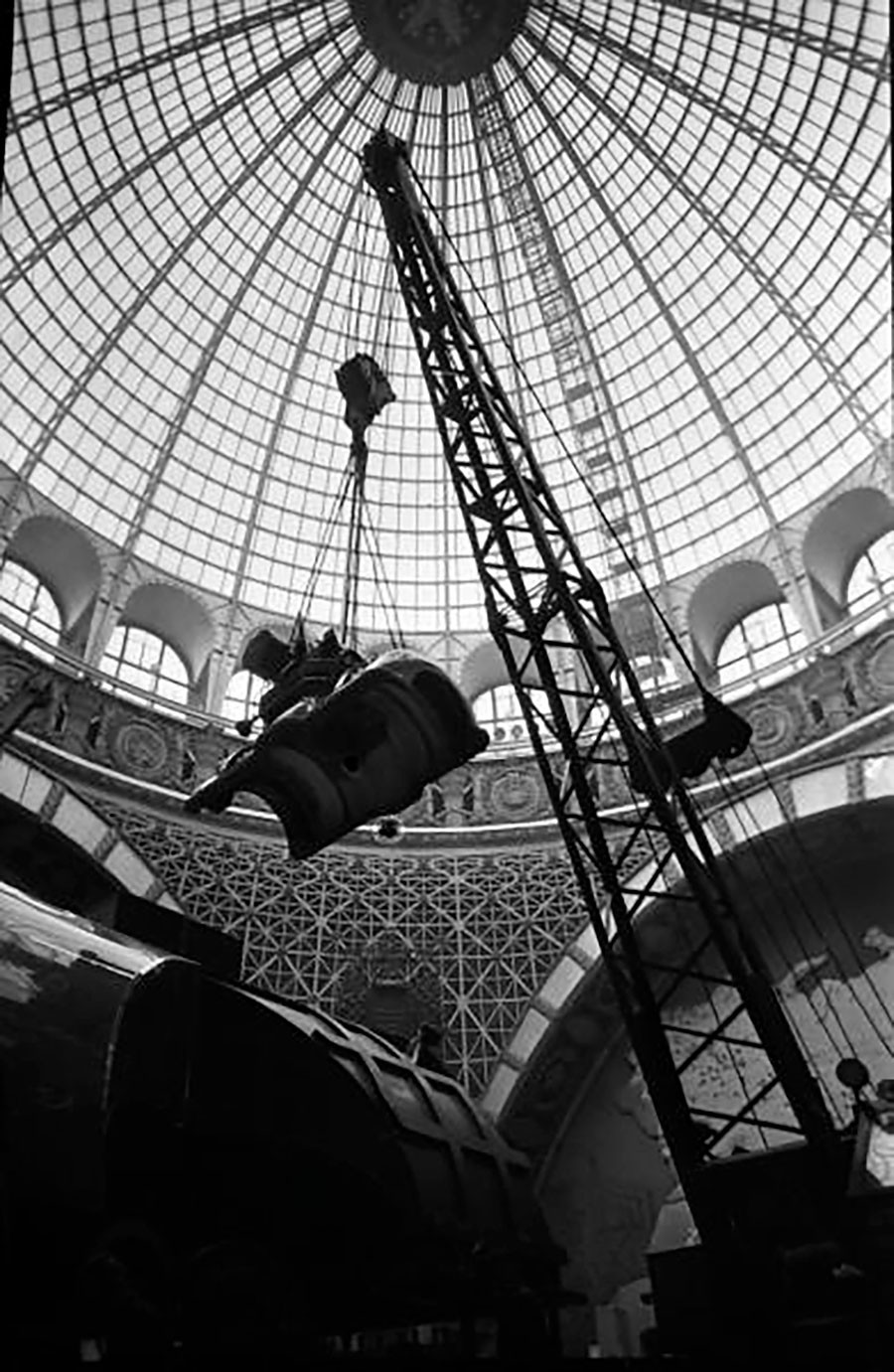 L'assemblage de l'exposition industrielle pansovétique à Moscou, années 1950