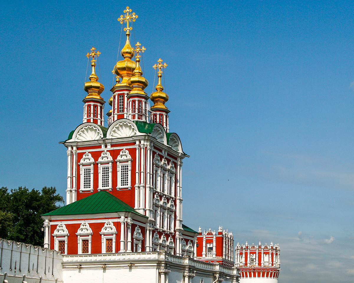Преображенска надвратна църква в Новодевически манастир, XVII в.
