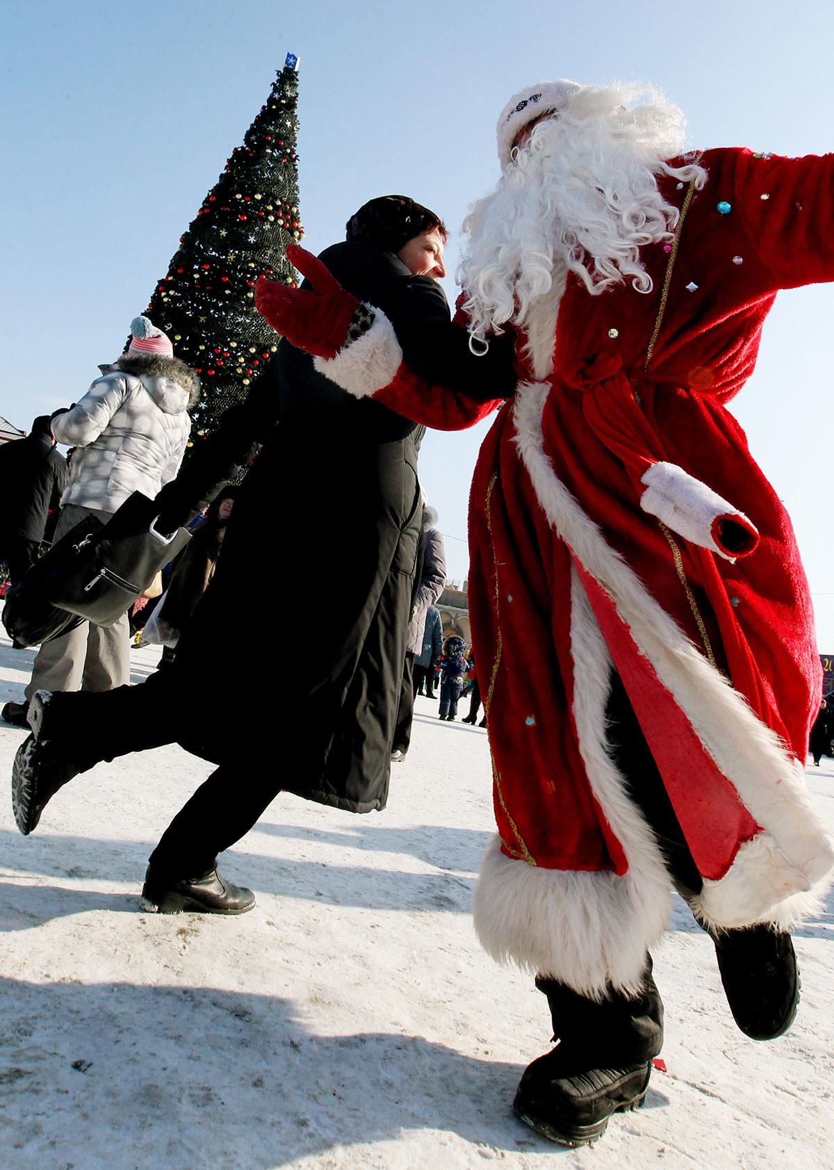 Прослава божићних празника на централном тргу у Владивостоку.