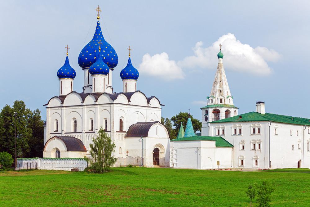 Katedral Kelahiran dari abad ke-18, di Suzdal.