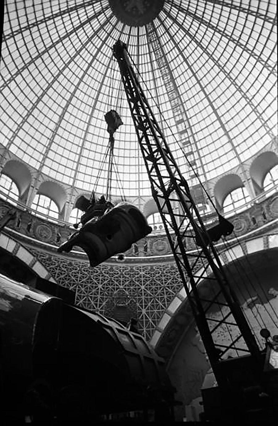Montaje de la Exposición Industrial de la Unión en Moscú, 1950