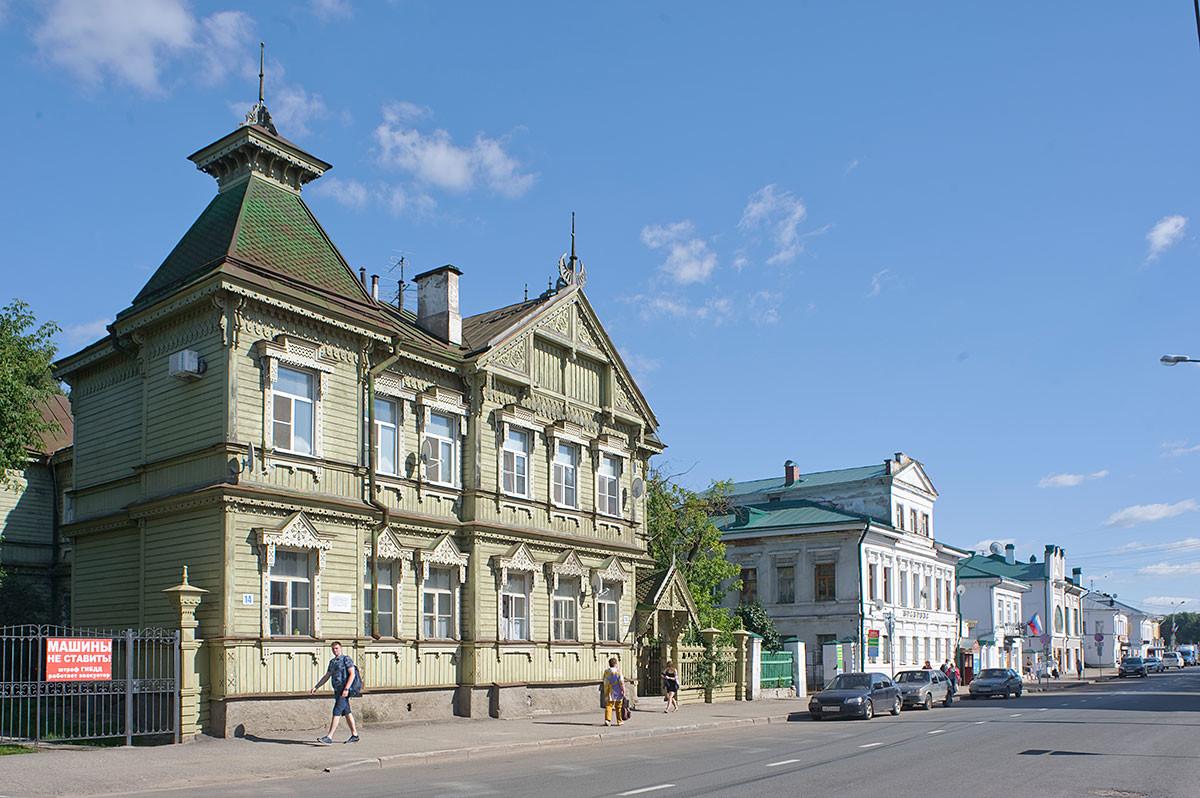 Sapozhnikov house, Simanovsky Street 14. August 12, 2017