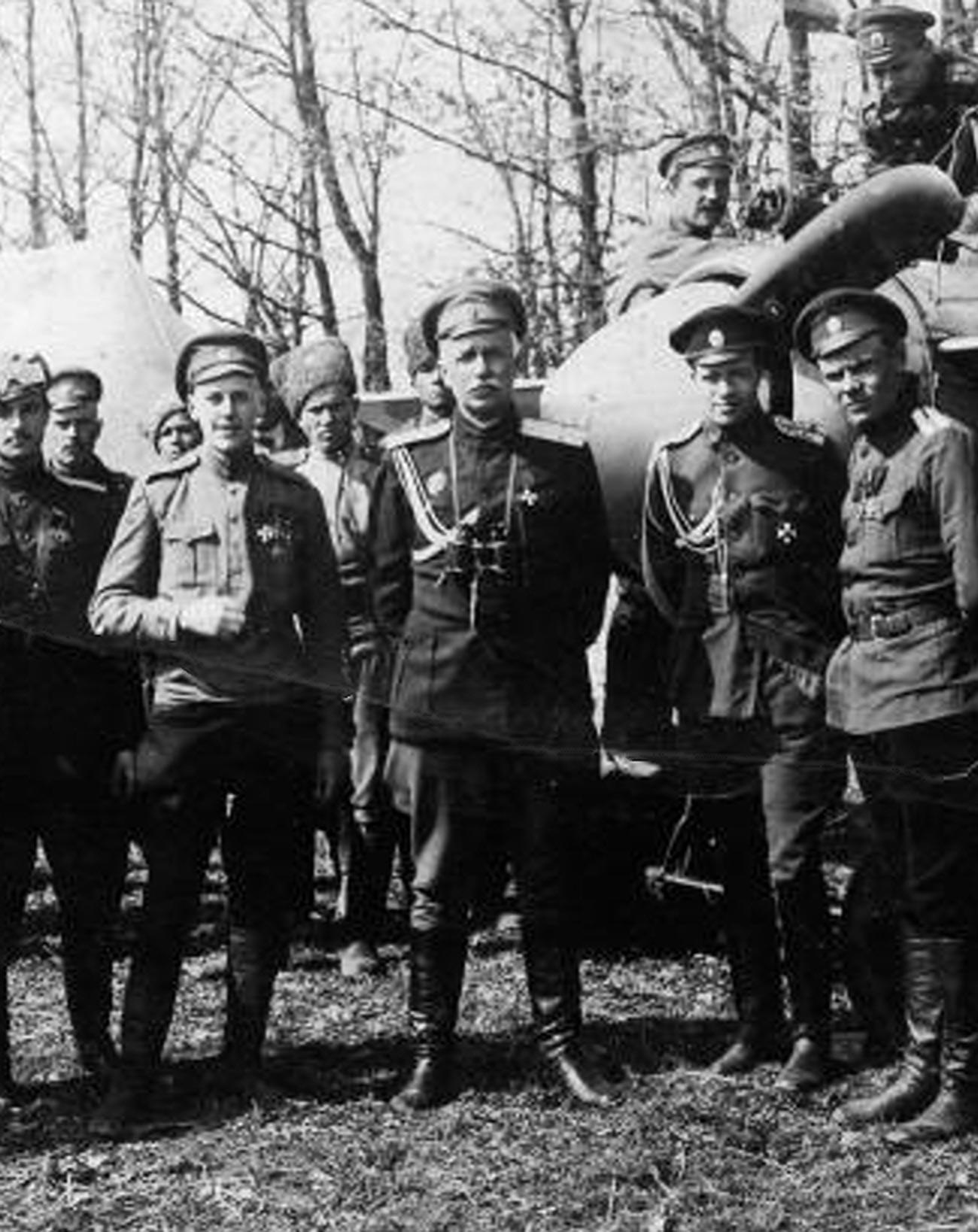 Le commandant dans l'armée soviétique Andreï Snesarev, mars 1917