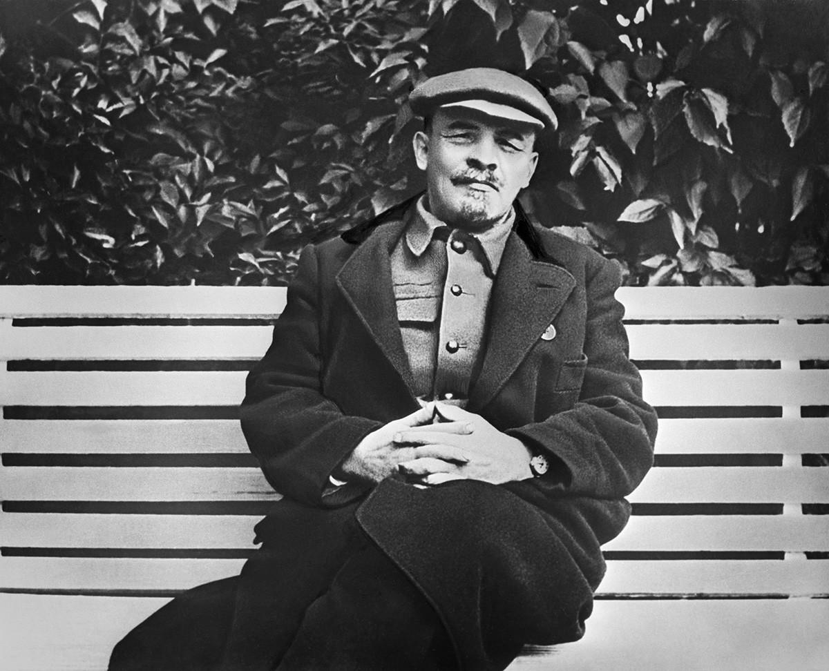 Lenin at Gorki Settlement in 1922.