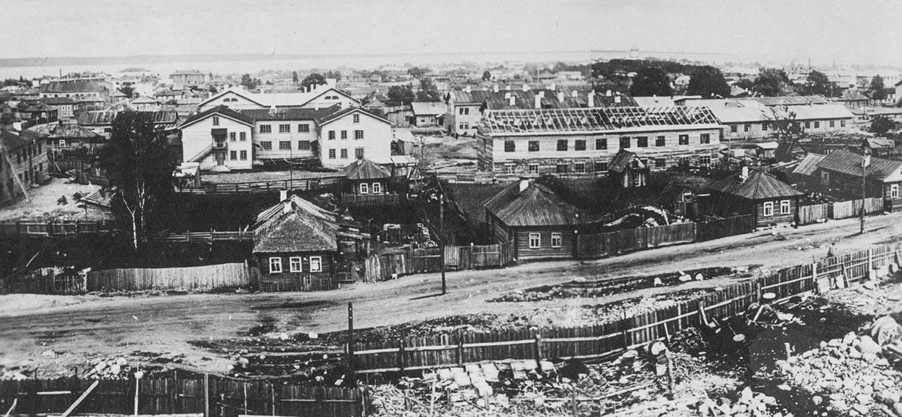 Американский городок в центре Петрозаводска.