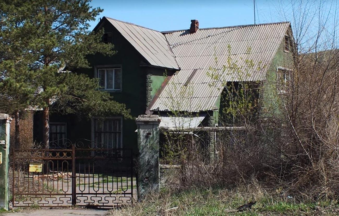 Один из сохранившихся домов.