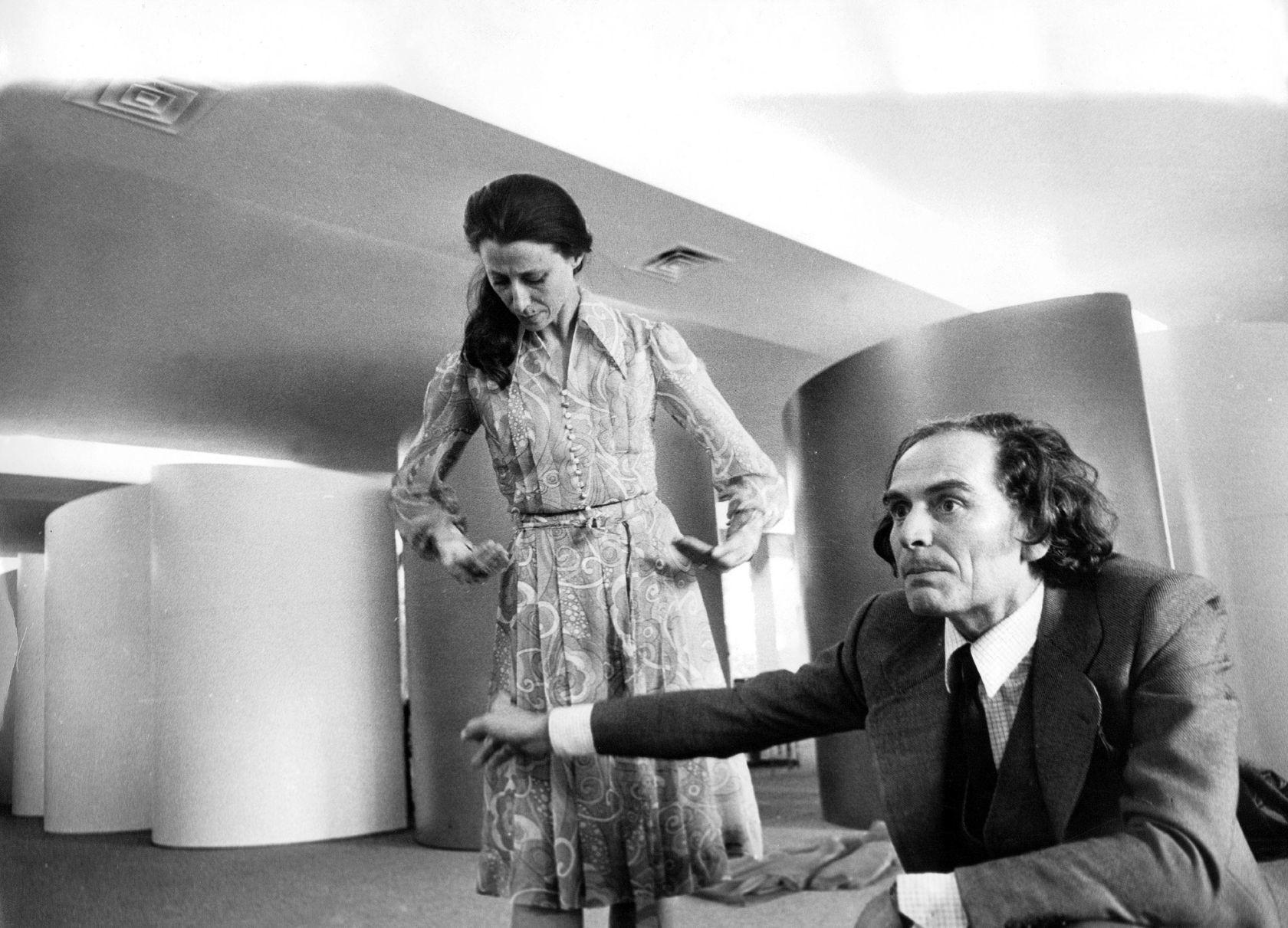 La bailarina Maya Plisétskaya y Pierre Cardin