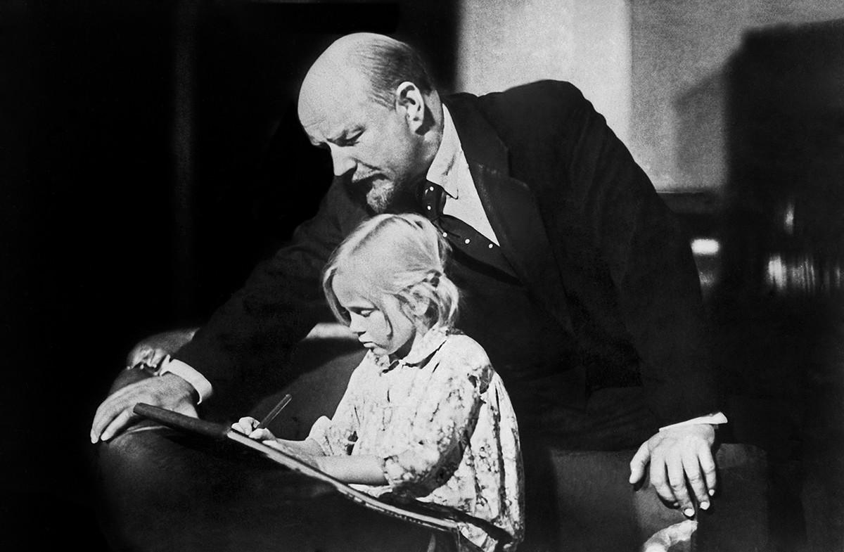 Lénine en 1918 interprété par le charismatique Boris Chtchoukine
