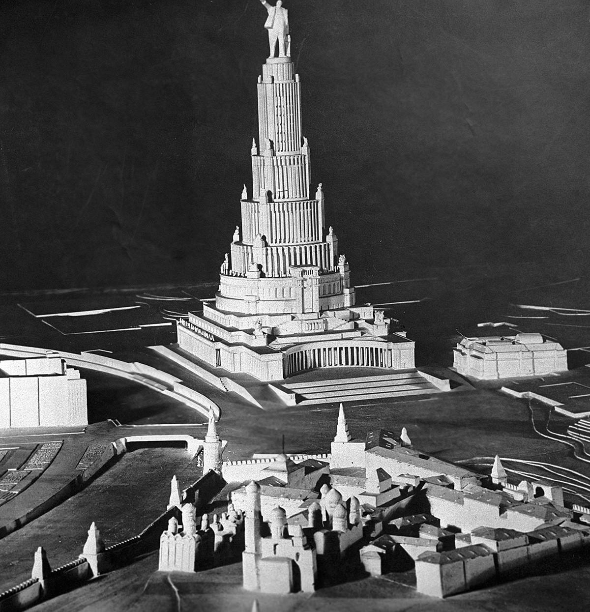 Il modellino del Palazzo dei Soviet dall'archivio del Museo-Riserva di Mosca
