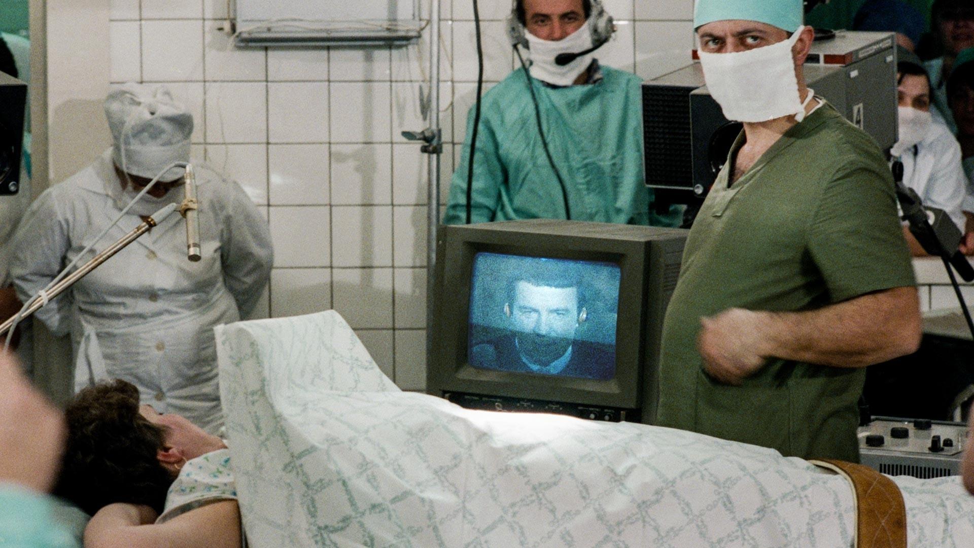 Anestezija bolnika na daljavo med seanso psihoterapije.