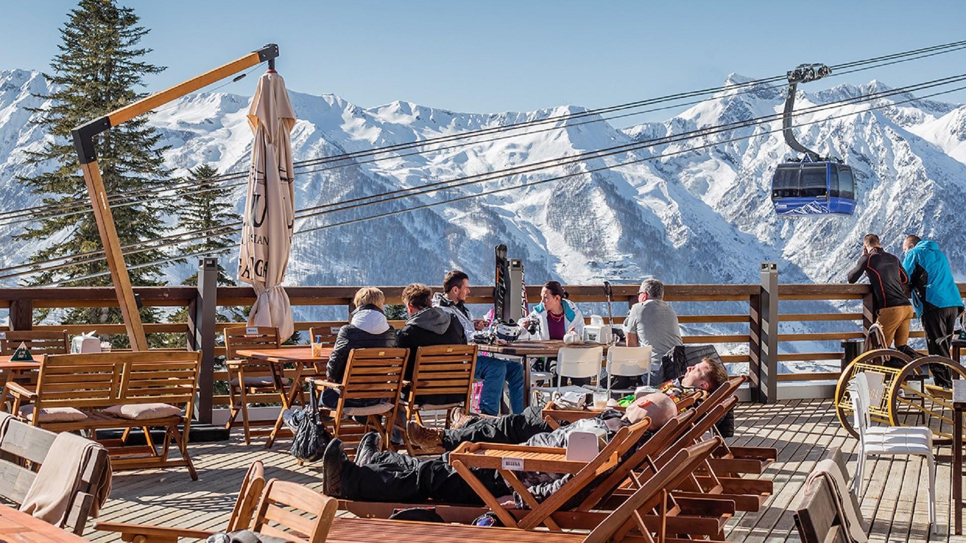 Dans la station de ski de Krasnaïa Poliana, près de Sotchi