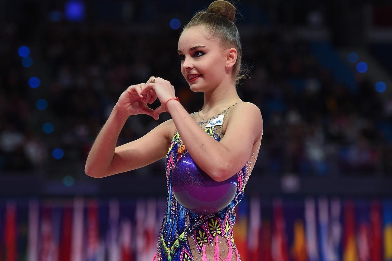 Арина Аверина на Световната купа по художествена гимнастика 2019 г.