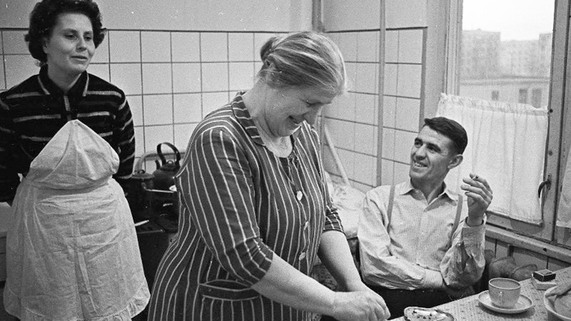 La famiglia Lavrentjev in cucina