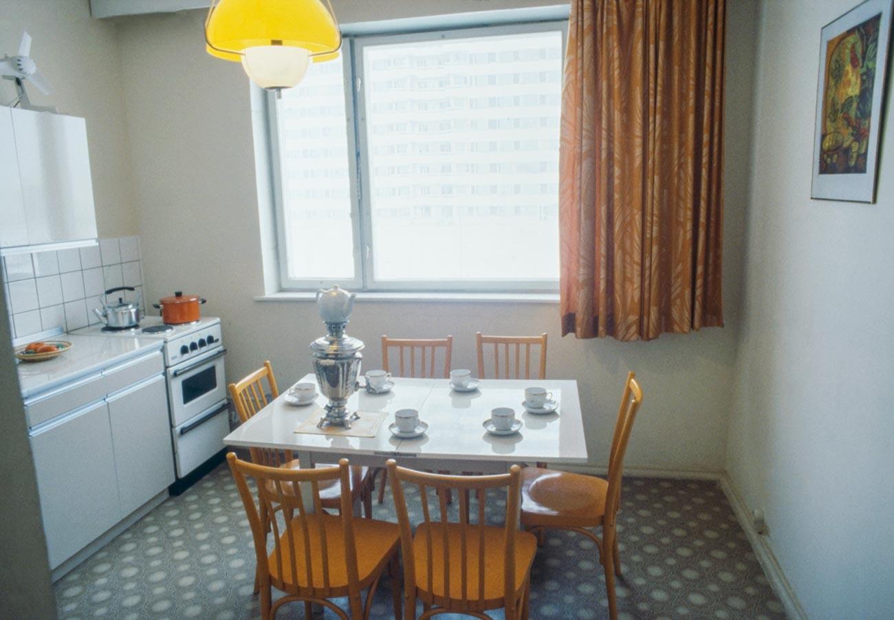 La cucina in un appartamento di nuova costruzione: il sogno di ogni famiglia sovietica
