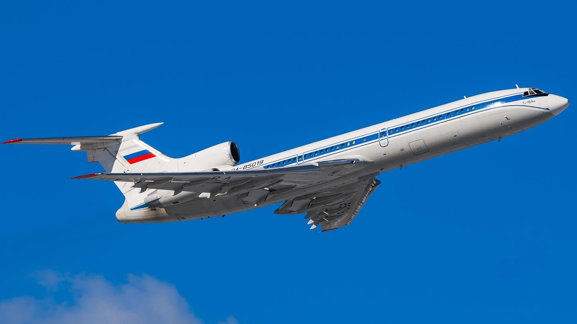 Tupolev 154M.