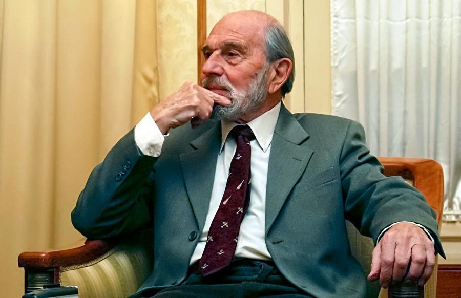 Фотографијата е направена на 11 ноември 2017 година. Џорџ Блејк, поранешен британски шпион и двоен агент во служба на Советскиот Сојуз во Москва.