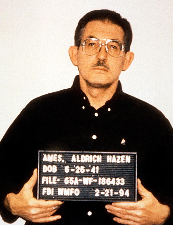 Поранешниот постар службеник на ЦИА Олдриџ Хејзен Ејмс.