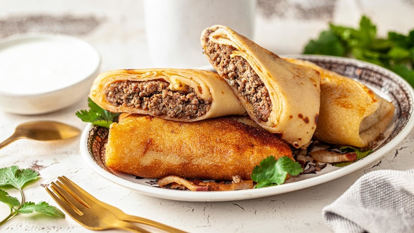 Russian crepes, also known as bliny are incredibly delicious, no matter whether you serve them for breakfast, lunch or dinner.