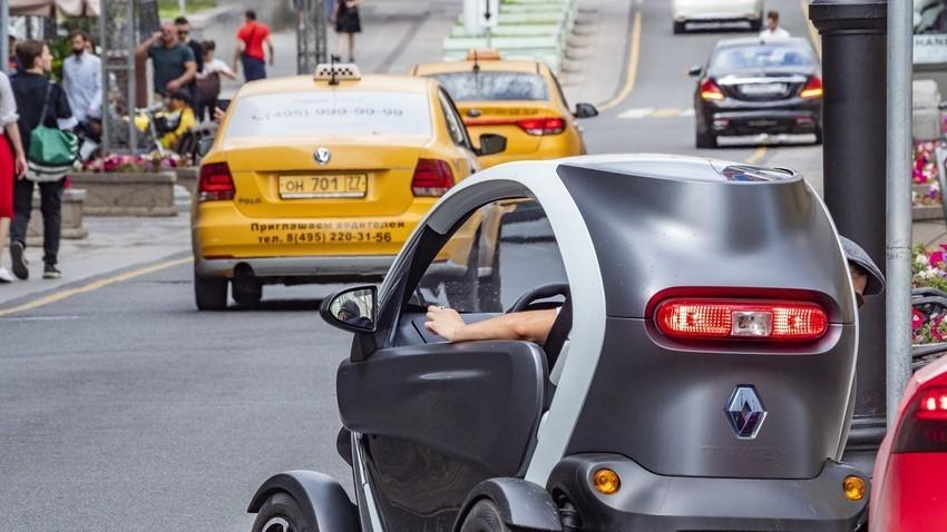 Un Renault Twizy en Moscú
